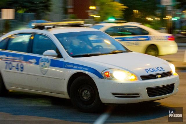 Un fuyard qui a entraîné les policiers à plus de 200 km/h sur l'autoroute 13... (Photo archives La Presse)