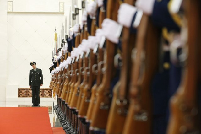 Le budget militaire chinois était de 139 milliards... (PHOTO KIM KYUNG-HOON, ARCHIVES REUTERS)