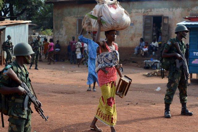 Cette pénurie de réserves alimentaires tient au fait... (Photo ISSOUF SANOGO, AFP)