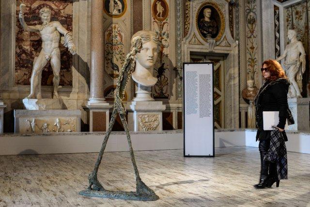Le maître de la sculpture moderne Alberto Giacometti dialogue avec le génie... (Photo: AFP)