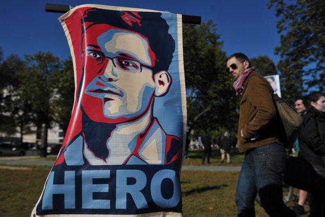 Selon les responsables américains, Edward Snowden a téléchargé... (Photo: AFP)