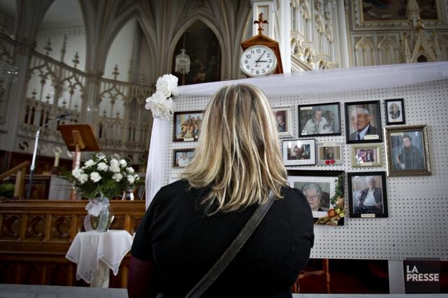 Les églises restent des lieux de regroupement et... (Photo Olivier Jean, La Presse)