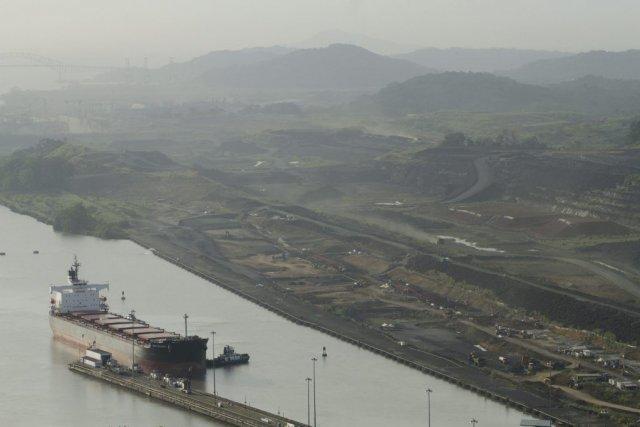 Cent ans après son inauguration, ce canal, par... (Photo Arnulfo Franco, AFP)