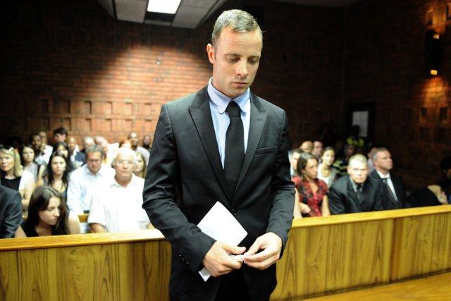 Oscar Pistorius devra répondre du meurtre de sa... (Photo Stéphane de Sakutin, AFP)
