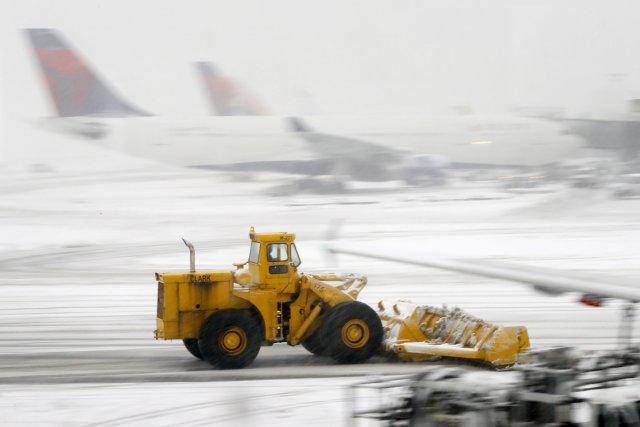 Plus de 2400 vols avaient déjà été supprimés... (PHOTO MATT YORK, ARCHIVES AP)