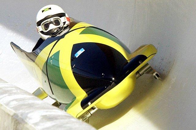 L'équipage jamaïcain de bobsleigh à deux a perdu ses bagages et son matériel... (Photo Elise Amendola, archives AP)