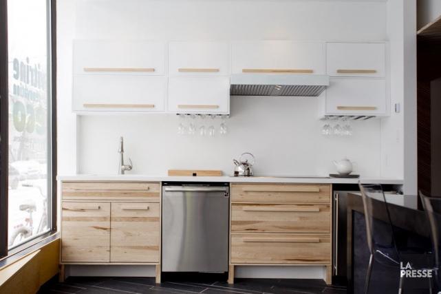 Les caissons d'armoire de cette cuisine de À... (PHOTO MARCO CAMPANOZZI, LA PRESSE)
