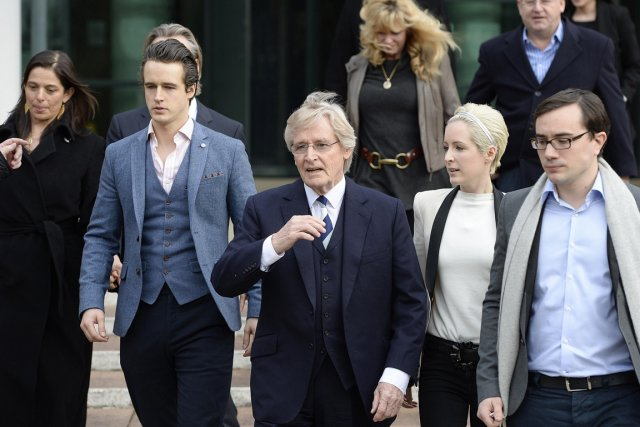 William Roache (au centre) a toujours démenti les... (PHOTO NIGEL RODDIS, REUTERS)