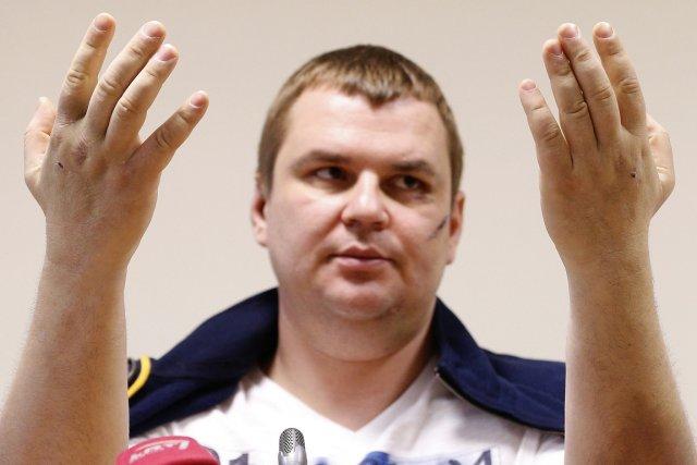 Le cas de Dmytro Boulatov, enlevé selon son... (PHOTO MINDAUGAS KULBIS, AP)
