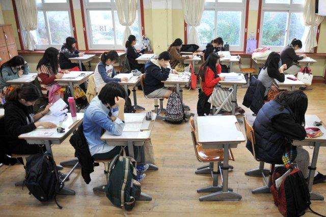 Selon une étude du ministère de l'Éducation, plus... (PHOTO JUNG YEON-JE, ARCHIVES AFP)