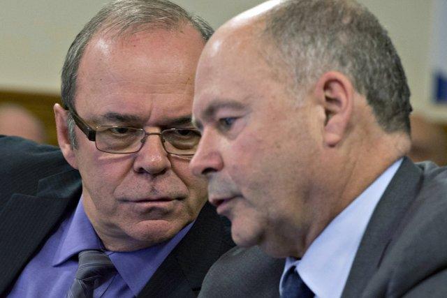 Après le départ de Michel Arsenault (à gauche)... (Photo Jacques Boissinot, archives La Presse Canadienne)