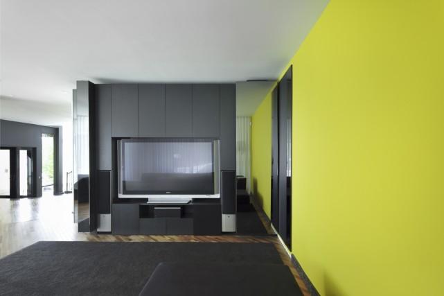 «On a fait un espace télé pour cette... (Photo fournie par Atelier Moderno)