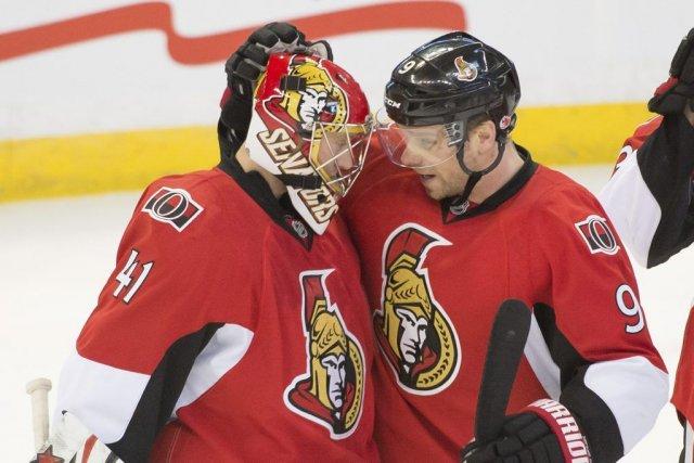Craig Anderson (41) et Milan Michalek (9).... (Photo Marc DesRosiers, USA Today Sports)