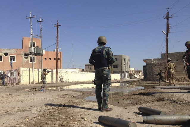 À Ramadi, les forces de l'ordre ont désamorcé... (Photo REUTERS)