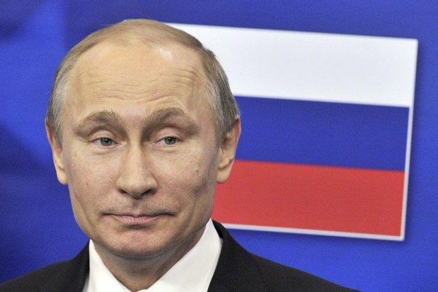 La Russie a accordé le 17 décembre à... (PHOTO GEORGES GOBET, AFP)