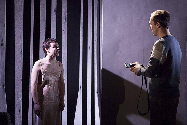 Le comédien Gabriel Szabo joue fort bien le... (Photo: fournie par le Théâtre Prospero)