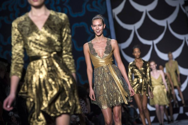 C'est encore la robe portefeuille de DVF qui... (PHOTO ERIC THAYER, REUTERS)