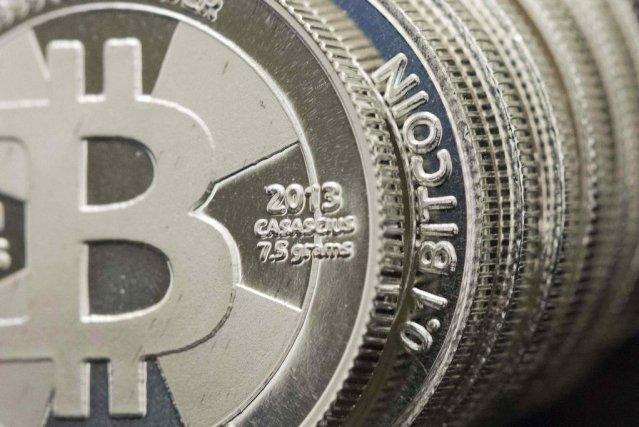 Les autorités russes ont décidé de renforcer la lutte contre les monnaies... (PHOTO JIM URQUHART, REUTERS)