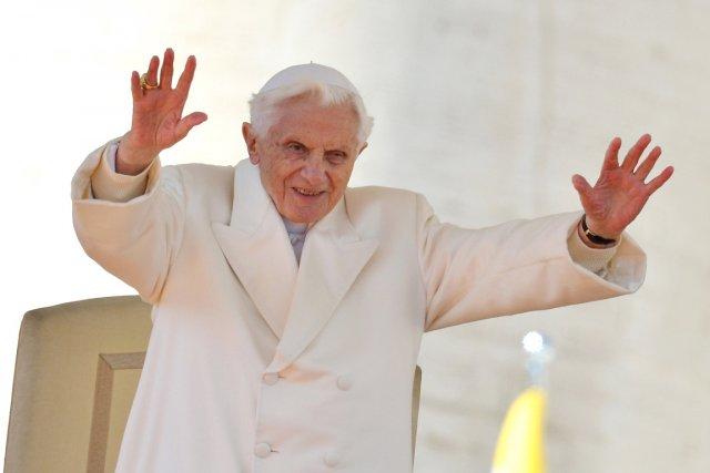 Joseph Ratzinger (ci-dessus) «vit d'une manière discrète, sans... (PHOTO GABRIEL BOUYS, ARCHIVES AFP)