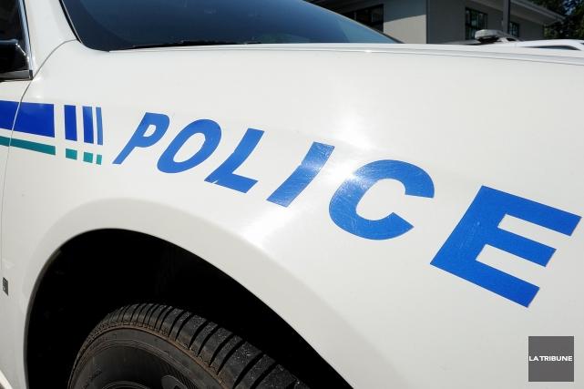 Les jurés suggèrent aussi que la police envisage... (Archives La Tribune, Frédéric Côté)