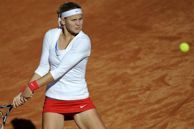 La Tchèque Lucie Safarova a battu l'Espagnole Silvia... (Photo Gogo Lobato, AFP)