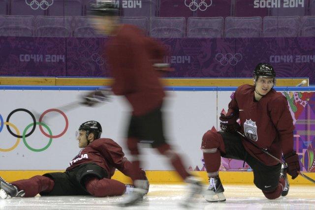 Les joueurs de l'équipe lettone à l'entraînement.... (Photo Alexander Nemenov, AFP)