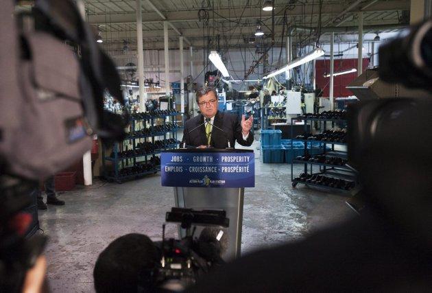Le ministre des Finances, Jim Flaherty, a déposé... (Photo Aaron Vincent Elkaim, PC)
