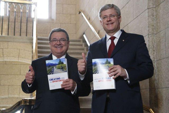 Malgré les avertissements de Québec, Ottawa va de l'avant avec la subvention... (Photo Patrick Doyle, PC)