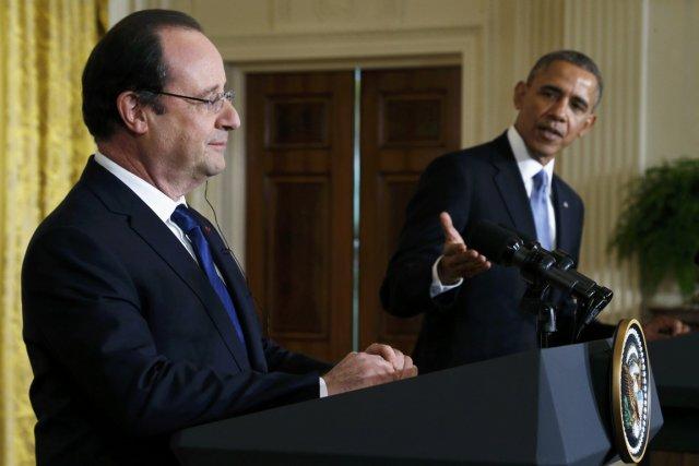 Hollande et Obama lors de la conférence conjointe,... (Photo Jonathan Ernst, Reuters)