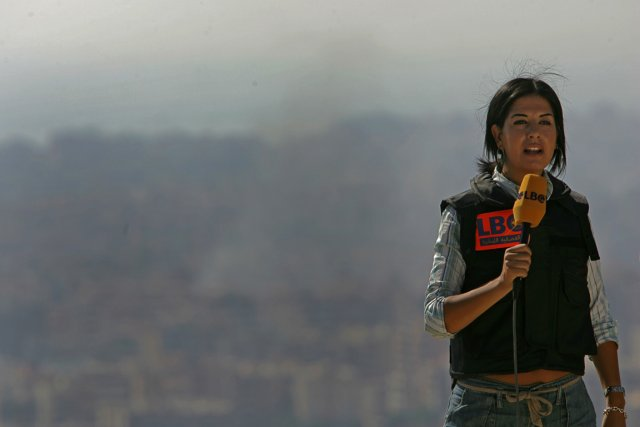 Une journaliste à Beyrouth, en 2006.... (Photo Patrick Baz, archives AFP)
