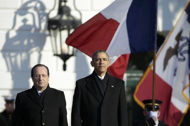 Mis sur la défensive, le président Hollande a... (Photo: Reuters)