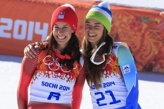 Dominique Gisin et Tina Maze.... (Photo Alexander Klein, Agence France-Presse)