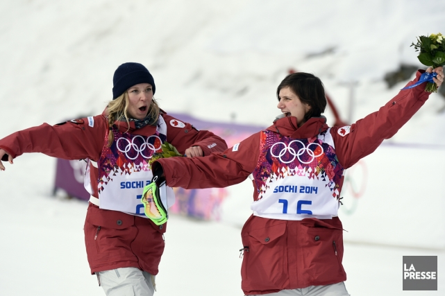 Les Canadiennes Dara Howell et Kim Lamarre, respectivement... (Photo Bernard Brault, La Presse)