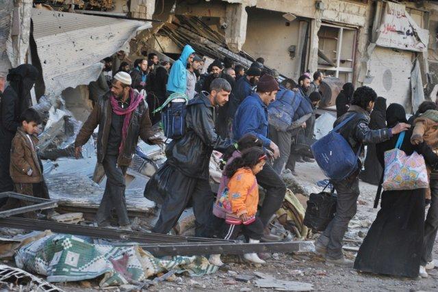 Au total, depuis vendredi, 1417 personnes ont été... (PHOTO BASSEL TAWIL, AFP)