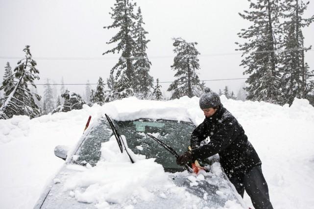 Une nouvelle tempête hivernale qui pourrait laisser jusqu'à 60 centimètres de... (Photo REUTERS)