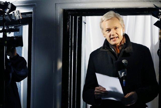 Julian Assange est réfugié dans cette ambassade depuis... (PHOTO KIRSTY WIGGLESWORTH, ARCHIVES AP)