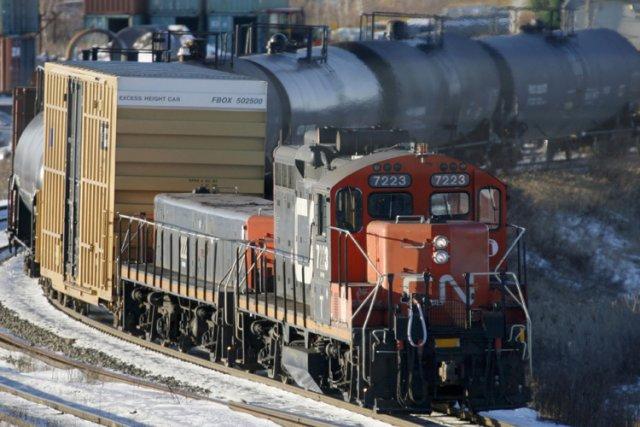 Le mois dernier, la ministre canadienne des Transports... (Photo: Reuters)
