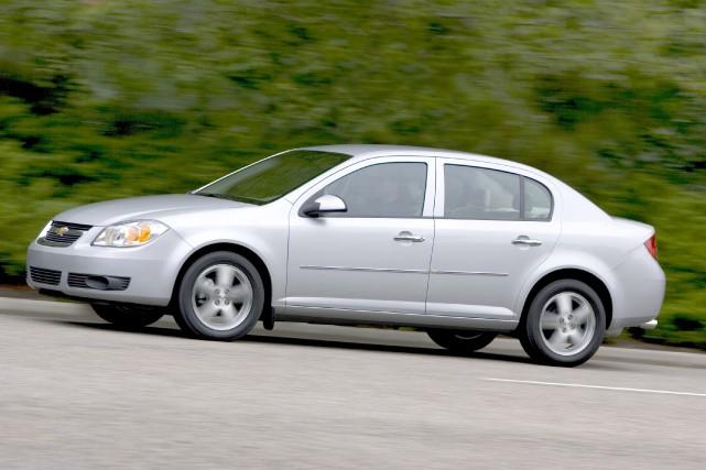Les Chevrolet Cobalt (photo) et Pontiac G5 sont... (Photo fournie par General Motors)