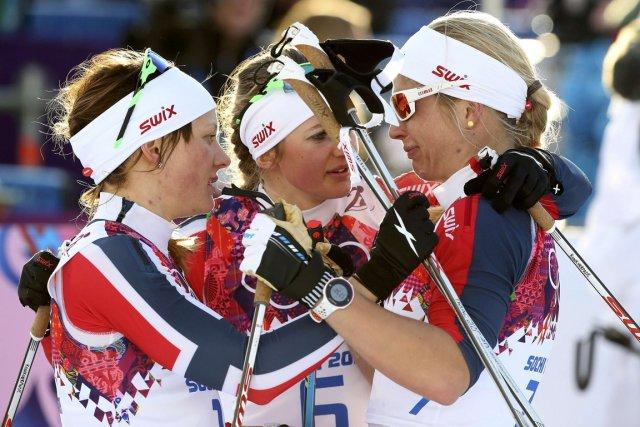 Les Norvégiennes Maiken Caspersen Falla et Ingvild Flugstad... (Photo Sergei Karpukhin, Reuters)