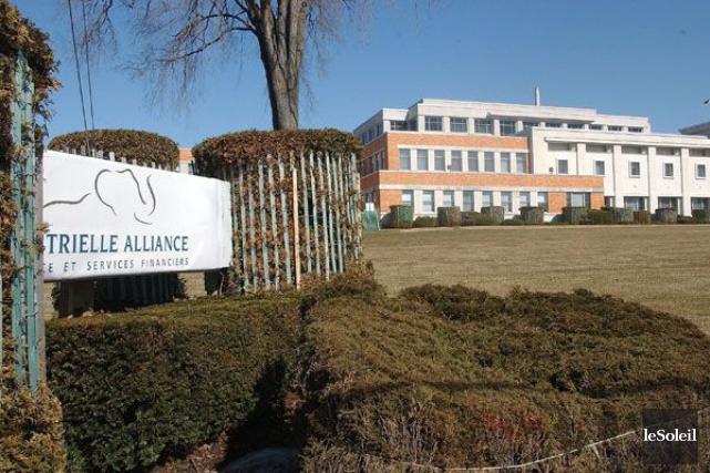Le siège social de l'Industrielle Alliance à Québec.... (PHOTO ARCHIVES LE SOLEIL)