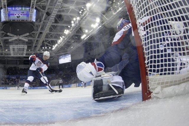 Paul Stastny a réussi un doublé contre la... (PHOTO BRIAN SNYDER, AFP)