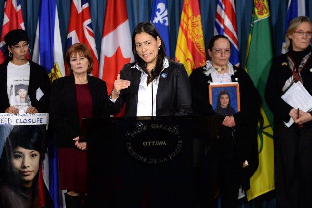 La présidente de l'organisation, Michèle Audette (centre), estime... (Photo Sean Kilpatrick, PC)