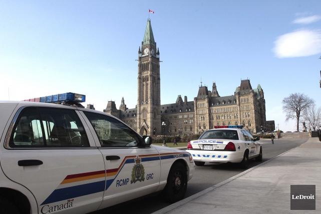 La Gendarmerie royale du Canada (GRC) évitera des compressions dans ses... (PHOTO ÉTIENNE RANGER, ARCHIVES LEDROIT)
