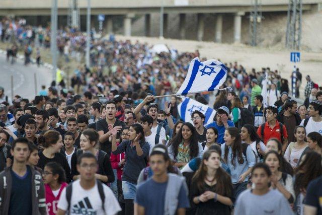 Les manifestants ont marché de la colonie Maale... (PHOTO BAZ RATNER, REUTERS)