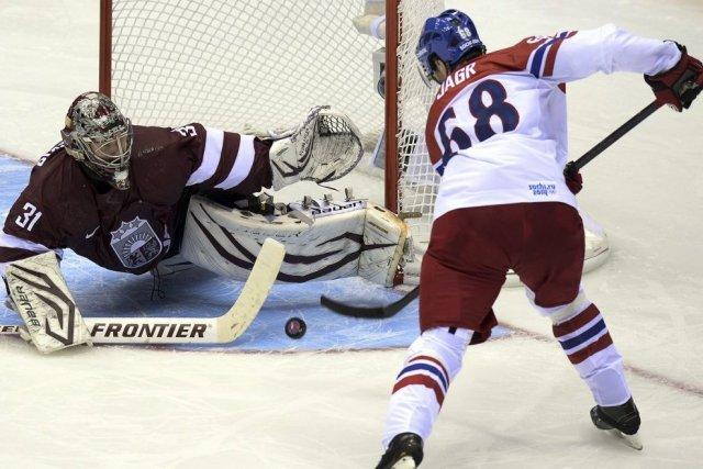Jaromir Jagr a inscrit son deuxième but du... (PHOTO ALEXANDER NEMENOV, AFP)