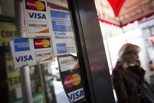 Le moral des ménages américains est resté stable en février, surprenant les... (PHOTO ARCHIVES BLOOMBERG)