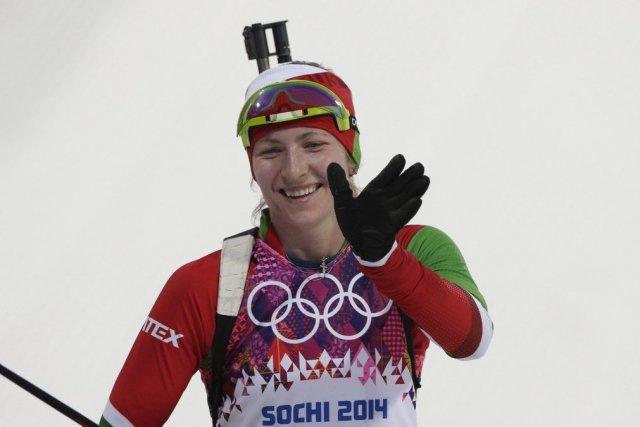 Darya Domracheva a aussi gagné la poursuite de... (Photo Matthias Schrader, AP)