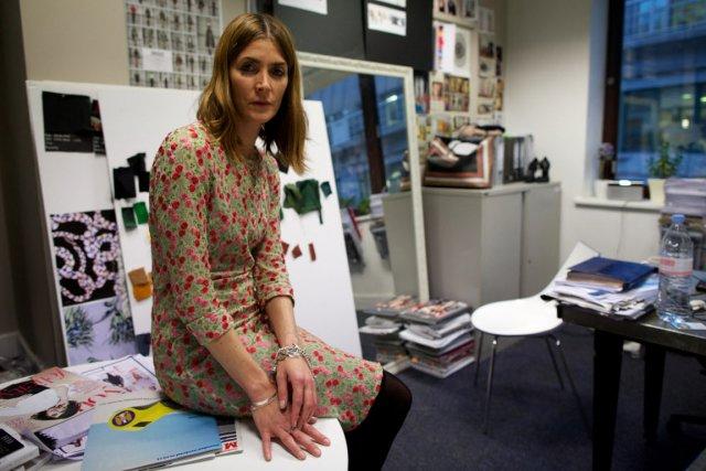 Emma Farrow, la styliste en chef.... (PHOTO ANDREW COWIE, AFP)