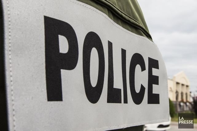 Les enquêteurs de la Sûreté du Québec (SQ) ont retrouvé un des deux véhicules... (PHOTO OLIVIER PONTBRIAND, ARCHIVES LA PRESSE)