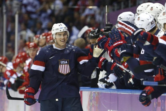 T.J. Oshie a permis aux Américains de vaincre... (PHOTO MARK HUMPHREYS, AP)